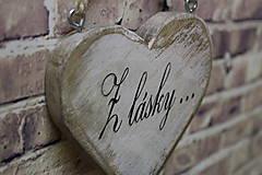 Dekorácie - Shabby srdce do dlane - Z lásky..., buk - 10440121_
