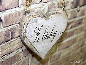 Dekorácie - Shabby srdce do dlane - Z lásky..., buk - 10440115_