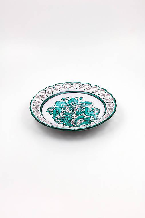 Vyrezávaný tanier