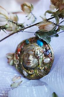 Náhrdelníky - Silový šperk