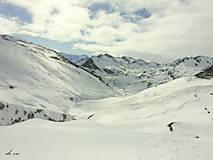 Fotografie - Bílý je plášť nad krajinou... - 10441767_