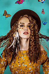 Ozdoby do vlasov - Prírodná bohémska pinetka s perím - 10438107_