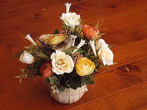 Dekorácie - Jarná dekorácia s vtáčikom v keramike - 10440301_