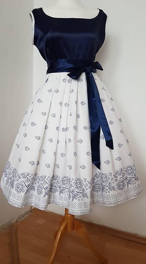 Retro folklorne šaty