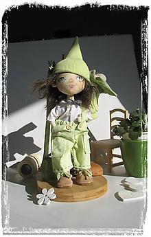 Hračky - Priatelia do batôžka. Textilná bábika - Hrášok - 10442659_
