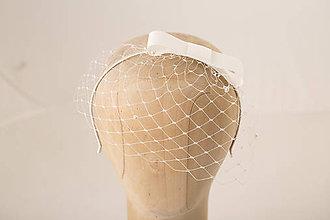 Ozdoby do vlasov - Svadobný závoj na čelenke s mašľou - 10443835_