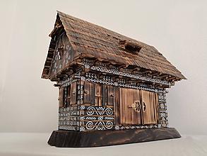 Dekorácie - Drevenica s vozovňou - 10443166_