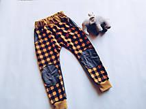 Detské oblečenie - Detské tepláky veľkosť 104 - 10442343_
