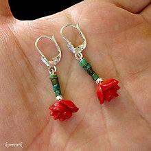 Náušnice - Stříbrné náušnice s červenou korálovou růžičkou a tyrkysem - 10447974_