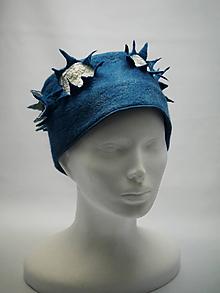 Čiapky - Dámska plstená čiapka- vločka modrá - 10446718_