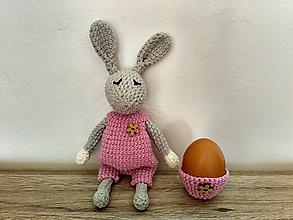Dekorácie - Háčkovaný zajačik + košíček v ružovom - 10447220_