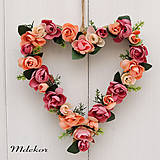 Dekorácie - Srdce z ružičiek - 10446486_