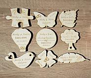 Dekorácie - Drevené svadobné magnetky rôzne tvary - 10445919_