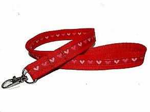 Kľúčenky - Kľúčenka Srdiečka na červenej - 10446520_