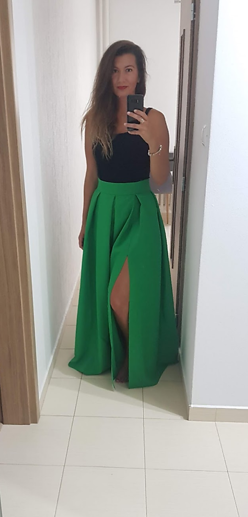 Maxi sukňa s rozparkom a vreckami