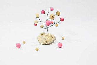 Dekorácie - Stromček na kameni - 10446597_