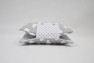 Detské doplnky - Organizér na plienky sivo-biely s obláčikmi - 10450117_
