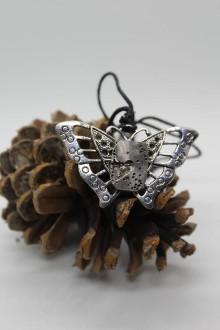 Náhrdelníky - Steampunkový motýl s torzem hodinového strojku - 10452204_