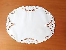 Úžitkový textil - Vyšívané prestieranie - richelieu - Tri kvety, biela, 48 x 36,5 cm - 10450314_