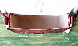 Kabelky - Kožená kabelka Burgundy Dragonfly messenger - 10449638_