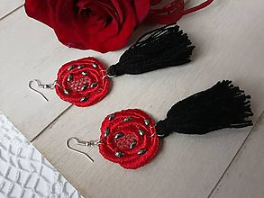 Náušnice - Červeno - čierne strapcové náušnice - 10451870_