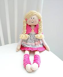 Hračky - Kvetka, bábika v ružovo-sivých šatách - 10450896_