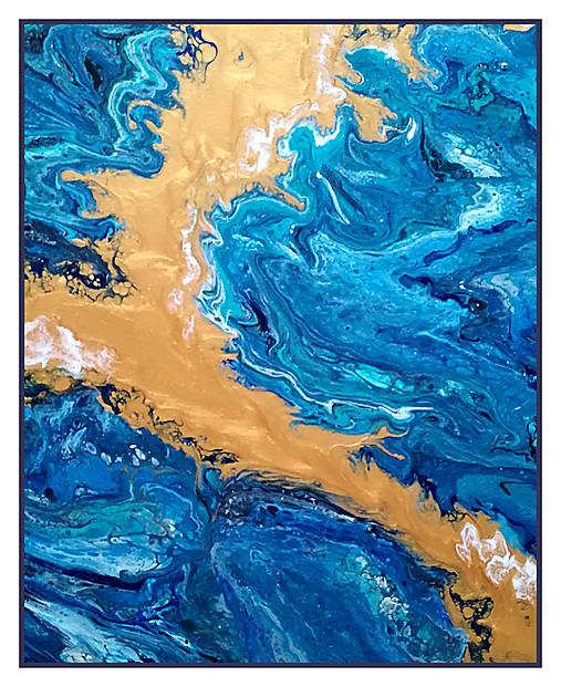 Láva v rozbúrenom mori