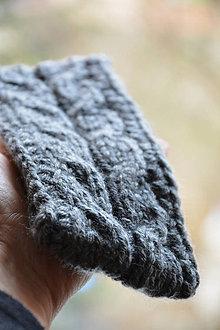 Čiapky - pletená čelenka s copy - 10450457_