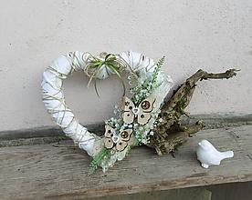 Dekorácie - Jarné srdce s motýlikmi - 10452611_