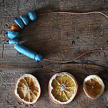 Náhrdelníky - dlhý keramický náhrdelník tyrkysovo - oranžový - 10454368_