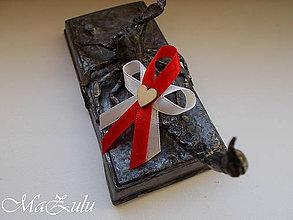 Pierka - Svadobné pierka s dreveným srdiečkom - 10452795_