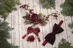 Doplnky - Spoločenský set pre neho a pre ňu (kvetinový polvenček, náušnice, prsteň, zamatový motýlik) - 10456465_