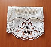 Úžitkový textil - Richelieu + toledo - Kvety a listy, biela, priemer 60 cm - 10453185_
