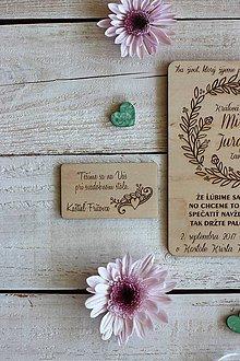 Papiernictvo - Drevené pozvanie k svadobnému stolu 7 - 10454342_