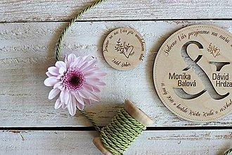 Papiernictvo - Drevené pozvanie k svadobnému stolu 8 - 10454381_