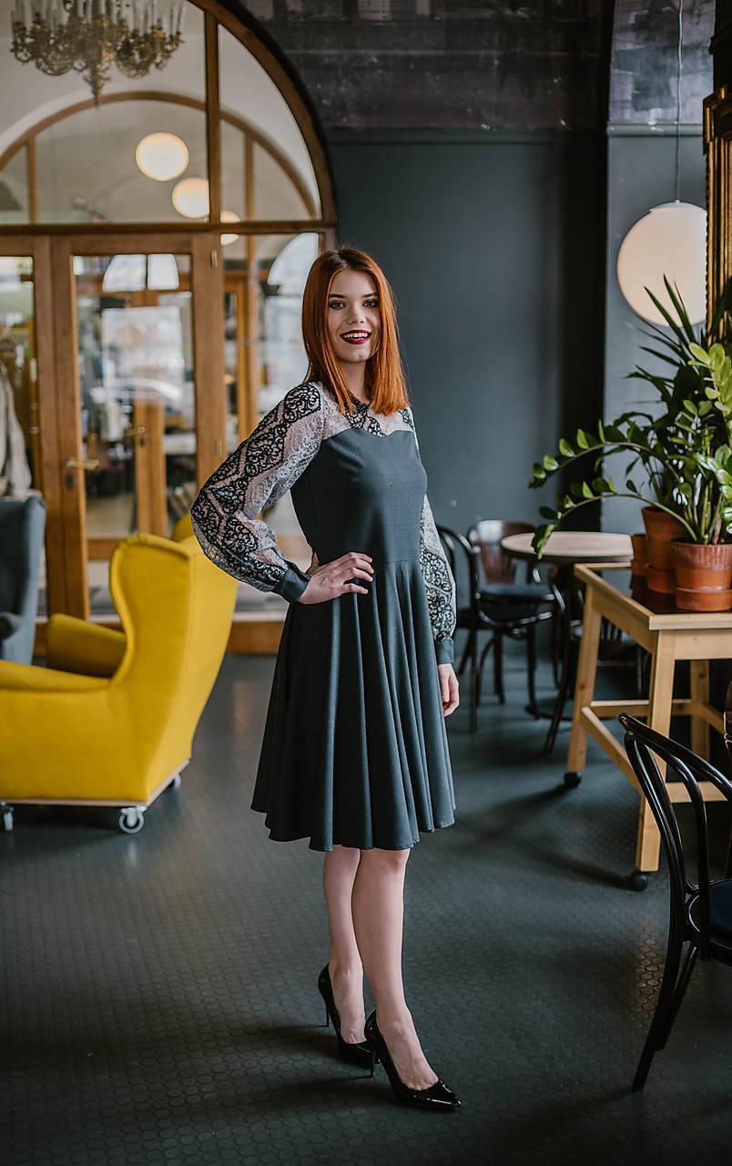 345dbff10a7b Sivé upcyklované šaty so vzorovanou krajkou   VivienMihalish - SAShE ...