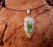 Náhrdelníky - Náhrdelník z achátu, zelená  živica, oceľové lanko - 10454839_