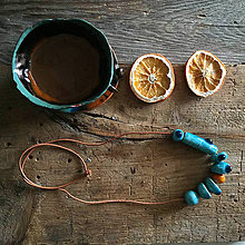 Náhrdelníky - dlhý keramický náhrdelník tyrkysovo - oranžový - 10458000_