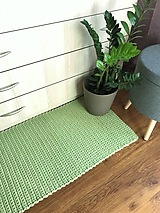 Svetlozelený koberec