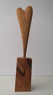 Socha - drevené srdce hruška - 10460222_