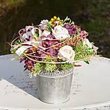 Dekorácie - Bordová dekorácia na stôl - 10457476_
