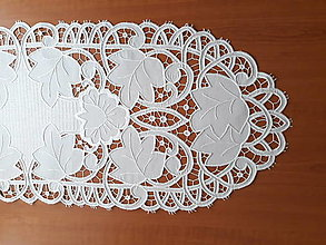 Úžitkový textil - Richellieu, Kvety a listy,biela, 40 x 110 cm - 10458405_