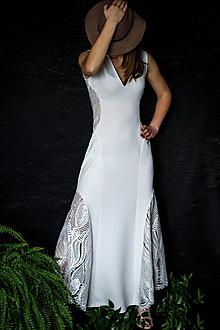 Šaty - Elastické šaty s krajkou - 10459329_