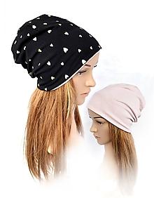 Detské čiapky - Obojstranná čiapka čierna so zlatými srdiečkami - 10459662_