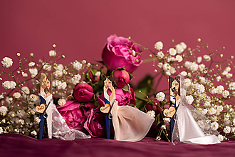 Darčeky pre svadobčanov - Drevené maľované svadobné magnetky na mieru - 10456800_