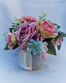 Dekorácie - kvetinová ikebanka v šáločke - 10463176_
