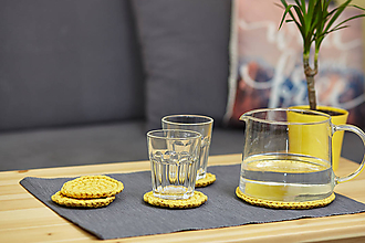 Úžitkový textil - Svetlo-žltá podložka pod čajník s podšálkami - 10463851_