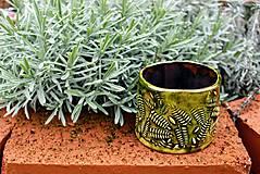 Nádoby - Okrúhly kvetináč - v húští papraďom - 10462278_