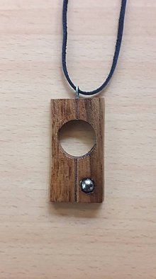 Náhrdelníky - Prívesok z dreva - 10462849_