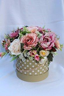 Dekorácie - kvetinová dekorácia v boxe - 10465997_